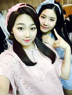"""@gu9udan: """"첫 1위후보에 오를 수 있게 #구구단 을 응원해주신 팬 여러분들을 위한 선물!♡ MV 비하인드 컷을 공개한다뀨! """" A present for the fans who cheered for #Gugudan and made it possible for them to get their first nomination on The Show!♡ Releasing behind the scene gyu-ts from the..."""