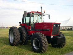 International 5488 Case Ih Tractors, Big Tractors, Farmall Tractors, Red Tractor, Ford Tractors, Vintage Tractors, Vintage Farm, International Tractors, International Harvester