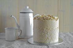 pandan-ombre-cake-01 by pickyin, via Flickr