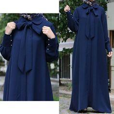 Muslim Evening Dresses, Muslim Dress, Islamic Fashion, Muslim Fashion, Simple Abaya Designs, Hijab Dress Party, Rihanna Outfits, Modele Hijab, Dress Pesta