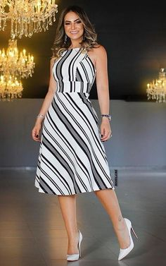 Pinned onto 2018 winter outfits Board in 2018 winter outfits Category Chic Outfits, Dress Outfits, Casual Dresses, Short Dresses, Fashion Dresses, Dress Up, Summer Dresses, Dresses For Work, Pretty Dresses