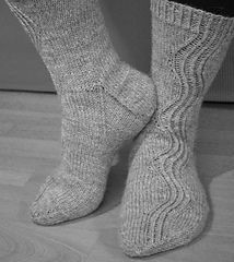 Though made in a sport weight yarn, this pattern could be adjusted for our Solitude Wool Dorset Hike Yarn. Knitted Slippers, Knit Mittens, Crochet Slippers, Mitten Gloves, Knitting Socks, Hand Knitting, Knit Crochet, Knit Socks, Knitting Videos