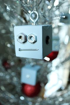 *Robot Christmas Ornaments--easy to make Christmas Makes, Christmas Crafts For Kids, Christmas Projects, Holiday Crafts, Holiday Fun, Christmas Holidays, Christmas Decorations, Christmas Ornaments, Christmas Ideas