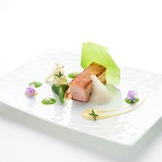 Culinary ~ ღ Skuwandi Michelin Star Food, Pork Dishes, Molecular Gastronomy, Pork Belly, Culinary Arts, Food Presentation, Food Plating, Food Design, Fine Dining