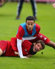 Fc Bayern München  / Thomas Müller / Thiago Alcantara