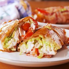 Chicken Bacon Ranch Burritos Low-carb has officially PEAKED. Healthy Recipes, Mexican Food Recipes, Low Carb Recipes, Diet Recipes, Healthy Snacks, Chicken Recipes, Healthy Eating, Cooking Recipes, Keto Chicken