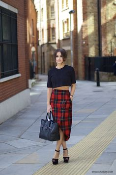 #MiroslavaDuma rockin' the plaid in London.
