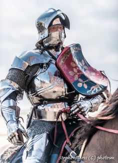 Knight courtesy of Stephen Moss/Photosm Medieval Knight, Medieval Armor, Medieval Fantasy, Armadura Medieval, Templer, Landsknecht, Early Middle Ages, Knight Armor, Arm Armor
