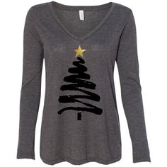 Christmas Tree With Gold Foil Star Flowy Long Sleeve Tee Christmas... ($26) ❤ liked on Polyvore featuring tops, t-shirts, grey, women's clothing, long sleeve shirts, gray t shirt, t shirt, long sleeve t shirts and holiday t shirts