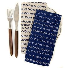 Striking napkins in an appealing shade of inky blue.