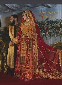 Shadi Dresses, Pakistani Formal Dresses, Pakistani Fashion Casual, Pakistani Outfits, Frock Fashion, Fashion Dresses, Embroidery Suits Design, Embroidery Works, Sindhi Dress