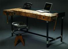 Design-Schreibtisch aus einer Hobelbank