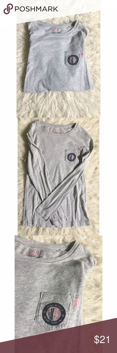 • Vineyard Vines Tee • Size = XS, grey tee, from Vineyard Vines, little pocket on left side with ski team design and a little pink whale, very comfy!  ~ I DO NOT SWAP, SO PLEASE DON'T ASK. YOU WILL BE IGNORED.  ~ I NO LONGER HOLD MY ITEMS, FIRST COME FIRST SERVE.   ~YOUR PURCHASE WILL BE SHIPPED WITHIN 24-48 HOURS AFTER PURCHASED, FROM THAT POINT ON I CANNOT CONTROL HOW LONG IT WILL TAKE FOR THE SHIPPING SERVICE TO GET IT TO YOU. *PLEASE BE PATIENT*  ~I AM MORE THAN HAPPY TO MAKE YOU A…