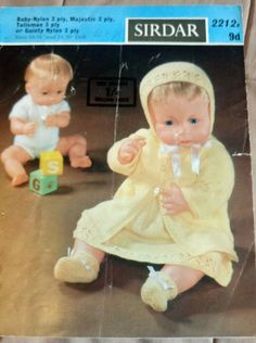 Baby Doll's Clothes vintage knitting pattern 14/16 & 18/20 inch doll #Sirdar