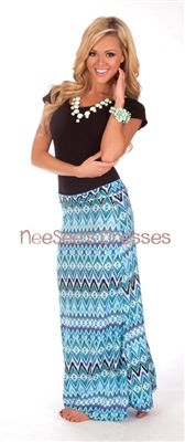This site has SO many cute maxi skirts!! love the matching jewelry!