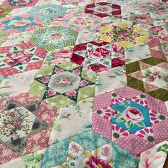 I have finally finished this quilt top!  Now to sniff out a border.... #quilting #epp #hexies #slowquilting