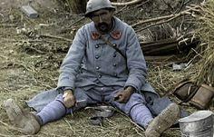 Fatigue, épuisement, dégoût de la guerre ? Que de chose dans ce regard !