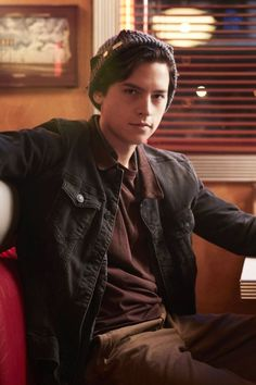 15 Reasons Jughead Is Our Favorite Weirdo on Riverdale