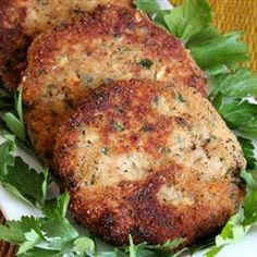 Oregon Salmon Patties Recipe - Excellent recipe for canned or fresh salmon patties. This recipe is from the Oregon coast. Salmon Recipes, Fish Recipes, Seafood Recipes, Great Recipes, Cooking Recipes, Favorite Recipes, Healthy Recipes, Recipies, Healthy Meals