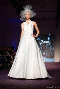 4f0b352b0 vestidos de novia iara Novias alta costura verano 2019