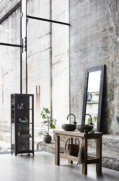 Vintage Industrial Decor The industrial loft design that is going to rock your vintage industrial home no matter what! Vintage Industrial Decor, Industrial Interiors, Industrial House, Rustic Interiors, Industrial Bathroom, Industrial Style, Modern Bathroom, Industrial Design, Loft Bathroom
