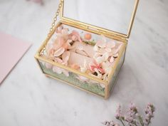 Juicy Gold Preserved Flower Ring Box