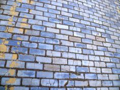 blue setts in Stepney Green - only parallel i could find was http://www.flickr.com/photos/30652603@N07/5675636231/   in Puerto Rico --- do you know of any?
