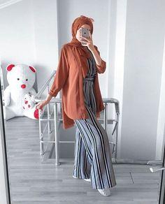 Blazer Outfits Casual, Casual Hijab Outfit, Hijab Dress, Niqab Fashion, Modesty Fashion, Fashion Outfits, Hijab Style, Hijab Chic, Islamic Fashion