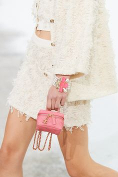 Chanel Spring -Summer 2021, Details… | Classy and fabulous way of living Chanel Fashion Show, All Fashion, Fashion Details, Runway Fashion, Fashion Outfits, Fashion Design, Fashion Trends, Primavera Chanel, Chanel News