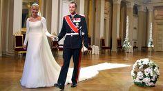 August 25, 2001: Crown Prince Haakon of Norway married Mette-Marit ©…