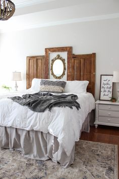 How to Make a DIY Headboard and Bed Frame - Diy kopfteil Bedroom Headboard, Upholstered Headboard Shapes, Headboard Styles, Mantel Headboard, Shabby Furniture, Bedroom Decor, Farmhouse Bedroom Set, Bed Frame And Headboard, Home Decor
