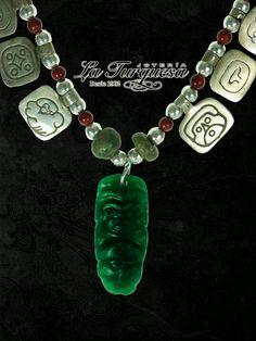 Collar conmemorativo del 13 Baktun con un dije de Jade acompañado de nahuales elaborados en plata 0.925  Se encuentra a la venta solo en Joyería La Turquesa