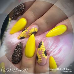 Einfache Sonnenblumen Nail Art - Makeup, Nails and Beauty - Summer Acrylic Nails, Cute Acrylic Nails, Glitter Nail Art, Acrylic Nail Designs, Spring Nails, Summer Nails, Cute Nails, Pretty Nails, Nail Art Designs