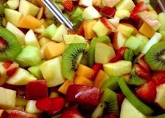 8 Ways to Eat Healthy as a Summer Intern | Her Campus
