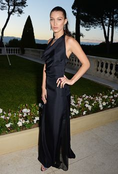 Bella Hadid bei der amfAR Gala