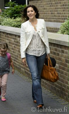 lovelyroyals:  Princess Isabella and Crown Princess Mary in one of her best casual outfits
