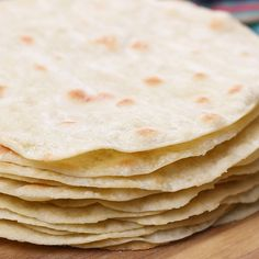Uncooked Tortillas, Recipes With Flour Tortillas, Homemade Flour Tortillas, Fun Baking Recipes, Wrap Recipes, Cooking Recipes, How To Make Flour, How To Make Tortillas, Tortilla Bread