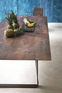 table à manger acier corten Gianvittorio Plazzogna et Roberto Papparotto