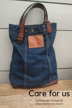 This bag has a history of being a Levis jacket my son wore in a bad car accident, he made it home but his clothes got cut into pieces. A piece of miracle as a bag. Reusing scraps and pieces for the care of our planet Find me on my etsyshop - careforus Denim Tote Bags, Denim Purse, Blue Jean Purses, Denim Ideas, Denim Crafts, Old Jeans, Levis Jeans, Fabric Bags, Levis Jacket