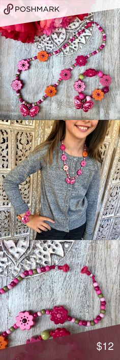 Like New! Gymboree Necklace & Bracelet Like New! Gymboree Girls butterfly & flower necklace with snap closure & elastic bracelet combo, Excellent Condition!! Gymboree Accessories Jewelry