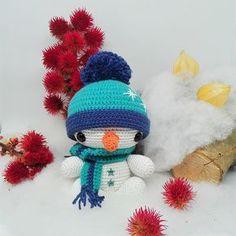Navidad se acerca y Darisbleu ha preparado este patrón exclusivo para vosotras para tejer este muñeco de nieve en ganchillo con algod...