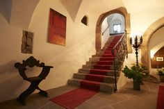 Schloss Englar in Eppan - Halle Hotels, Tuscany, Villa, Castle, Stairs, Italy, Mansions, Interior Design, House