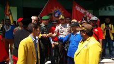 Kapolres Bojonegoro turut amankan Aksi Akademika dan Ormas dalam menentang Keberadaan PKI Tribratanews Polda Jatim