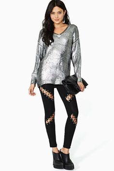 ProductMaterial:100% CottonClothing Length: RegularStyle: CasualPattern Style: SolidWeight: 0.88lbsPackage: 1 x Sheer LeggingWarranty&ReturnShipping&Handling