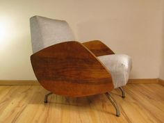 Herman Miller Aeron Chair B Classic Furniture, Vintage Furniture, Furniture Decor, Furniture Design, Bauhaus Furniture, World Market Dining Chairs, Recycled Plastic Adirondack Chairs, Cool Chairs, Ikea Chairs