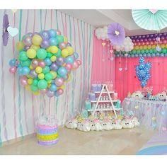 """141 Likes, 6 Comments - Kiut Party (@kiutpartybq) on Instagram: """"Cumpleaños # 1 de #ValentinaTriana Tema: Lluvia de Amor ☔️ Decoración y ambientación: Melissa…"""""""