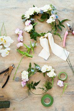 DIY flower crown tutorial on www.sequinsandstripes.com #diy #flowercrown