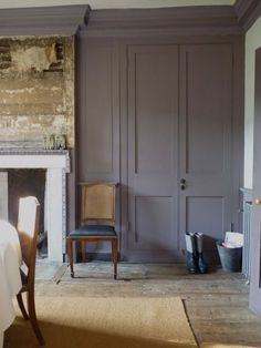 Dining room in Romilly Saumarez's East London house has reinstated fire surround new joinery, but chimney breast paneling was left as found. Wardrobe Doors, Bedroom Wardrobe, Built In Wardrobe, Painted Wardrobe, Style At Home, Style Uk, Chimney Breast, Bedroom Cupboards, Built In Cupboards Living Room