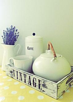 """Taca drewniana """"Milk no.2"""" - Dwa Guziki - design dla Twojego domu. 100% hand made."""