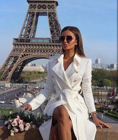 New White Drawstring Pockets Buttons Square Neck Long Sleeve Fashion Coat Paris Outfits, Mode Outfits, Fashion Outfits, Classy Outfits, Stylish Outfits, Elegantes Outfit Frau, Mode Rihanna, Luxury Lifestyle Fashion, Lifestyle Blog